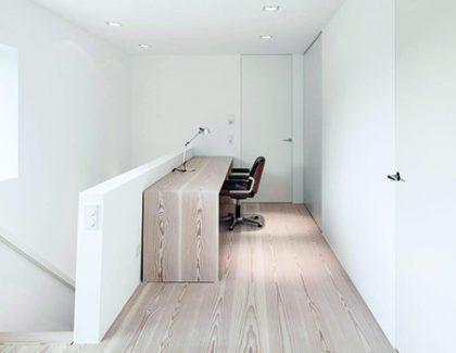 Simple Scandinavian flooring for underfloor heating by Roger Hyde